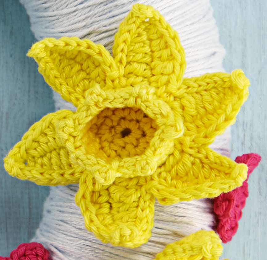 simply crochet crochet daffodil